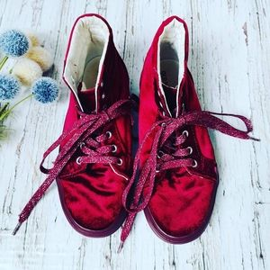 OLD NAVY | Velvet Lace Up Kid Shoes Size 3